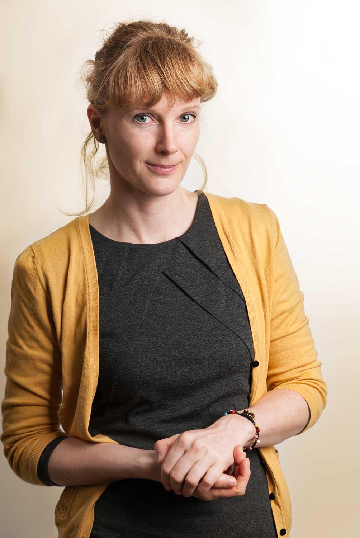 Sabine Schusser ist Klinische Psychologin und Gesundheitspsychologin, Kinder-, Jugend-, und Familienpsychologin sowie Traumapsychologin im Therapiecafé Wien 15