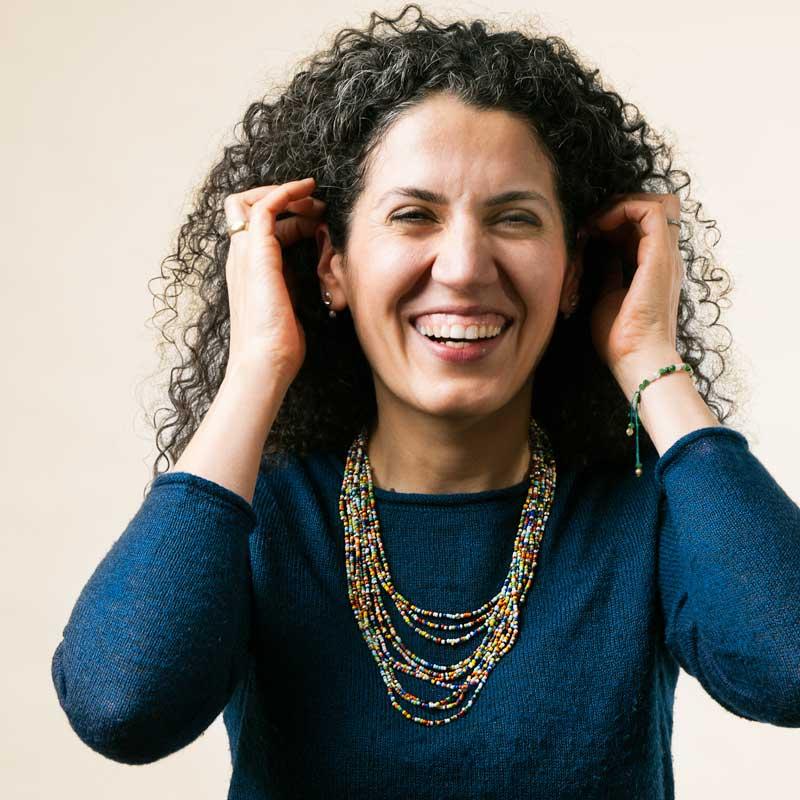 Sara Sebron ist Psychotherapeutin, Coach & Supervisorin, Zertifizierte Säuglings-, Kinder- & Jugendlichentherapeutin, Annerkannte Beraterin des Bundesministeriums für Familie und Jugend im Therapiecafé Wien 15